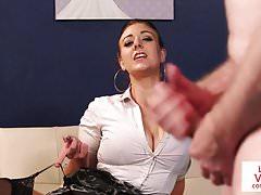 Busty british voyeur instruujący sub do szarpnięcia