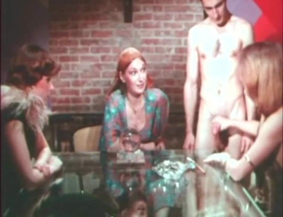 Лесбиянки видео порно смотреть халява