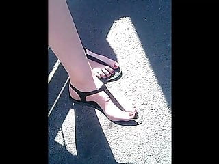 Homemade Candid Waiting vid: candid feet sandals waiting bus CAM0706,62 HD