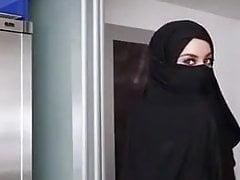 Piękna dziewczyna z Hijabe
