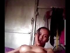 Malajska dziewczyna masturbuje się