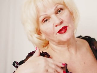 Lingerie Voyeur Blonde video: Grandma Strep Tease