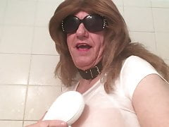 Crossdresser Big Booby Show Play in The Shower
