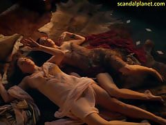 Lucy Lawless und Jaime Murray in Spartacus ScandalPlanet.Com