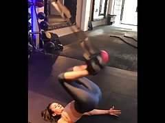 Nina Dobrev Workout - Arsch und Major Cameltoe