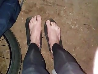 outdoor cumshot on my feet while wearing leggins