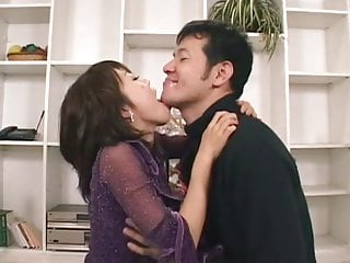 Hardcore Asian video: Passionate Sex with a Lot of Tongue Kissing