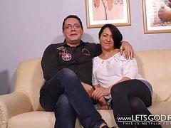 Una coppia di 40 anni fa scopa al Porno Casting
