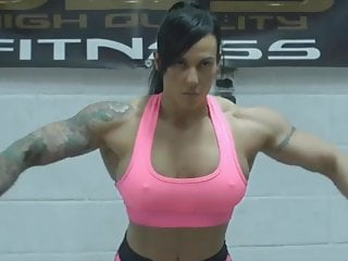 Muscular Woman video: female bodybuilder train