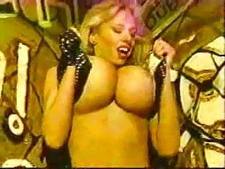 Vintage Big Tits Striptease video: April Chest-Graffiti Strip