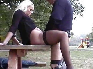 Amateur Blonde video: Hall of fame public 001