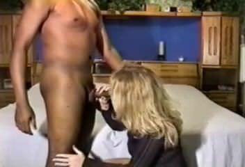 Смотреть порно трансы с огромными