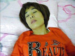 老韩国妻子Mo Kyeong分钟性爱视频