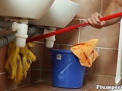 Dominant plumper sucks janitors dick