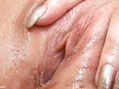 Figa stretta e muscoli vaginali di Ariana