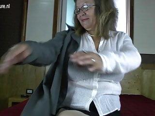 優雅的奶奶,大山雀和飢餓的陰道