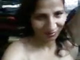 indian friends mom showing nude to me