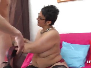 Amateur Bbw French video: Grosse mature francaise grave sodomisee pour son casting
