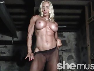 Pantyhose Dirty Bodybuilder video: Naked Female Bodybuilder in Pantyhose Gets Dirty