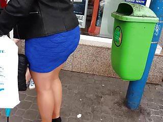 big butt in tight miniskirt
