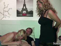 Maman obtient son beau-frère avec sa petite amie et baise avec