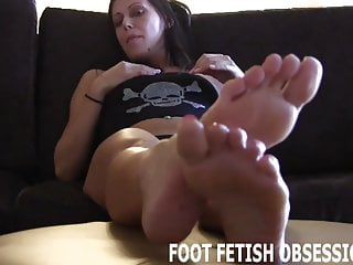 Lingerie Bdsm porno: I need you to lick between each one of my toes
