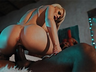 Interracial Blonde porno: BBC fucks hard spank and bang for streaper exgirlfriend