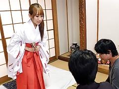 Japanese Housewife, Yui Misaki Had Very Intense Multiple Org