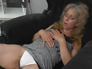 成熟的母親自慰看xhamster