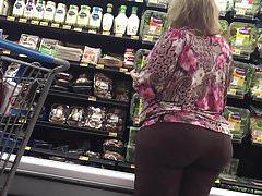 Phat Pawg Booty Gilf in pantaloni marroni