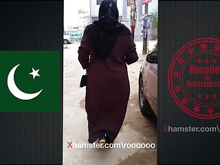 Arab Voyeur Pakistani video: Pakistan hijab and abaya