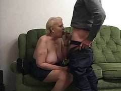 Penny Sneddon, der Hahn 26-11-18 saugt