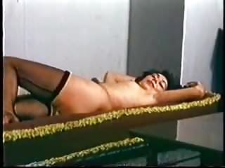 Hairy Vintage video: Candice Vintage tease