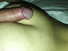 Moglie araba si fa un massaggio e gioca con il cazzo