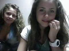 Dwie bardzo seksowne nastolatki po raz pierwszy na kamerze internetowej ...
