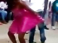 danza sexy ad una festa.