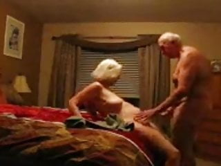 Big Cock Mature Pussy video: nasty slut sue palmer fucking and cumming