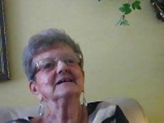 80anni nonna ricorda i tempi caldi