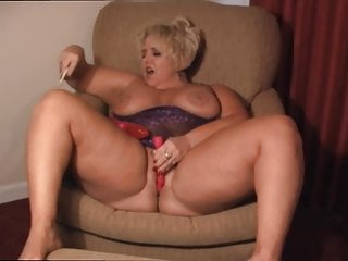Bbw Mature Dildo video: Mature BBW cumming like a Queen