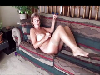 Amateur Grannies xxx: Mature exhibitionist couple loves to be watched