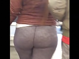 PAWG BBW SQUATS AND WALKS. HER BOYFRIEND SEES ME