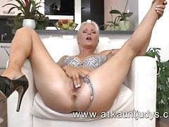 Sexy mature woman from ATKAuntJudys