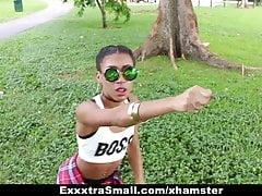 ExxxtraSmall - Cute Tiny Ebony odbija się na Big Cock