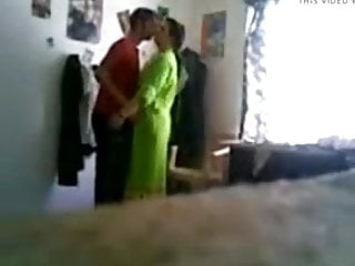 Amateur Cuckold Hidden Cams video: ARAB CUCKOLD