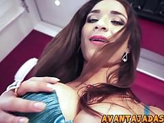 Adriana Rodrigues exibe seu grande pau