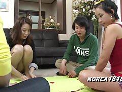 Koreańskie gry porno SEXY STRIPTEASE