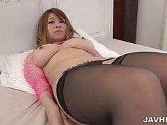 Suzuna Komiya tettone bellezza stupefacente spettacolo porno