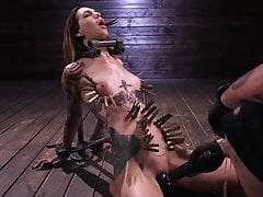 Rocky Emerson ha dominato in BDSM