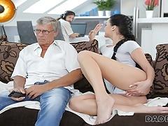 Daddy4k. Guy Blijkbaar Occupied With Computers So Why Gf Fucks His