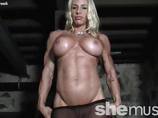 Naked Female Bodybuilder in Pantyhose Gets Dirty